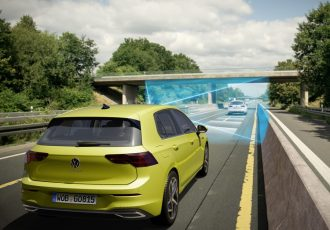 時速210km/hまで自動運転!新型VWゴルフ8が超ハイテクすぎる!!