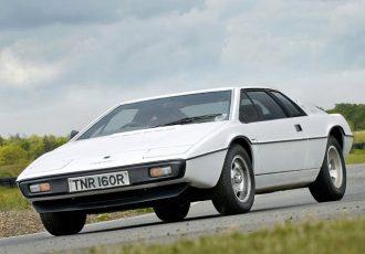 あなたはどれが好き?ご長寿スーパーカー ロータス・エスプリの歴代モデル全て