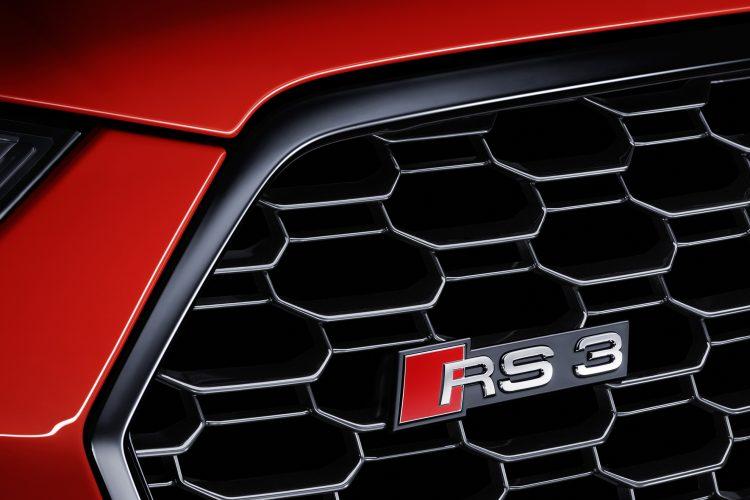 アウディ RS 3 セダン フロントグリル