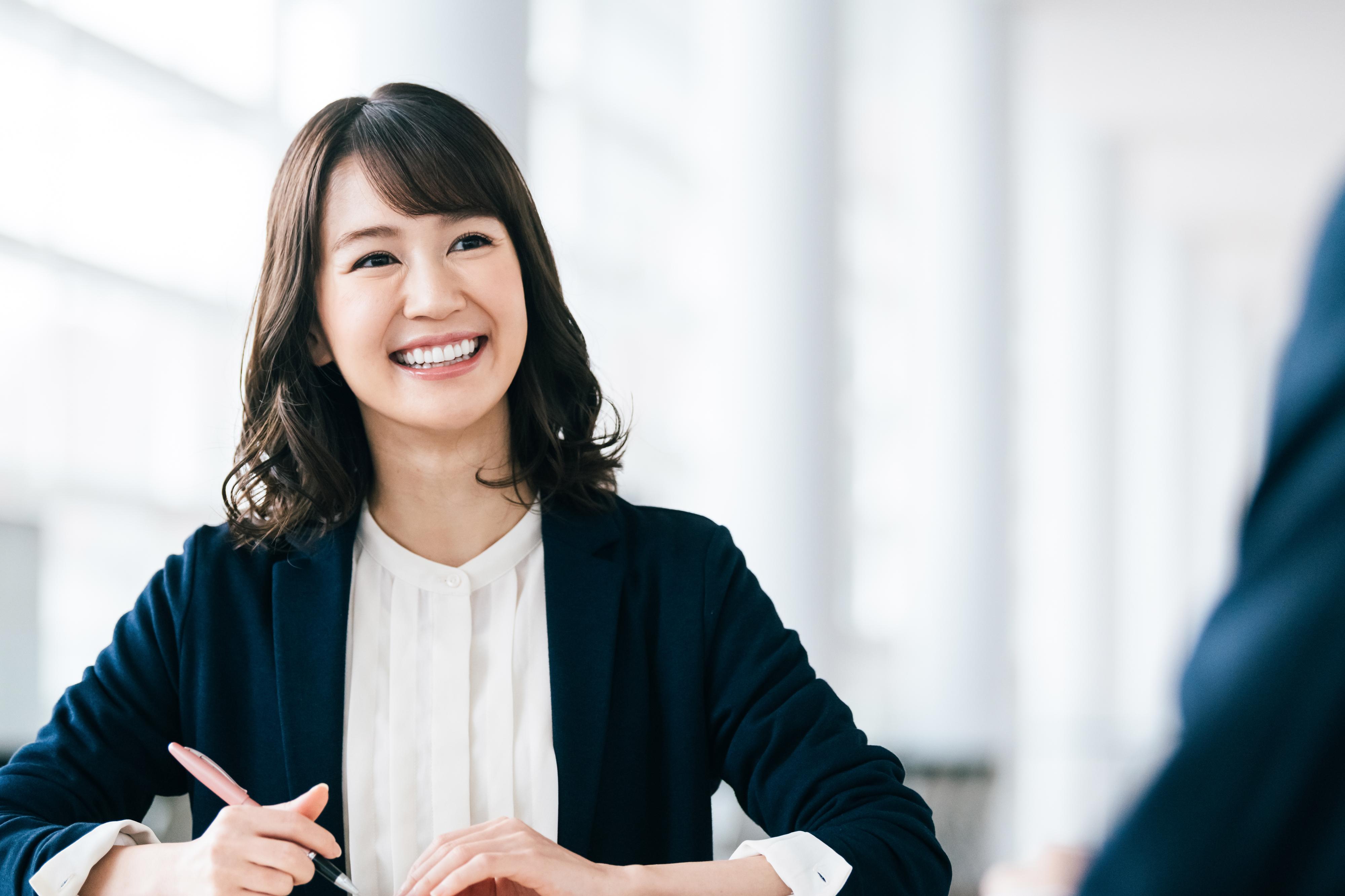 低金利の今こそチャンス!働く女性必見の不動産投資