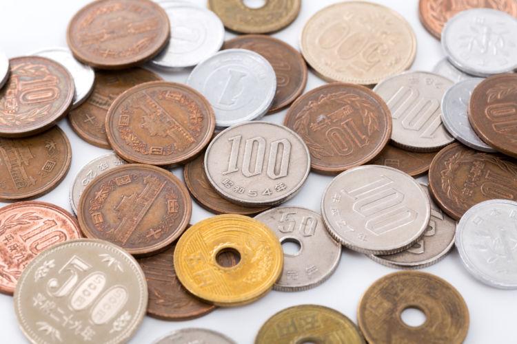 日本の硬貨の重さはどれくらい?大きさや材質などについても解説