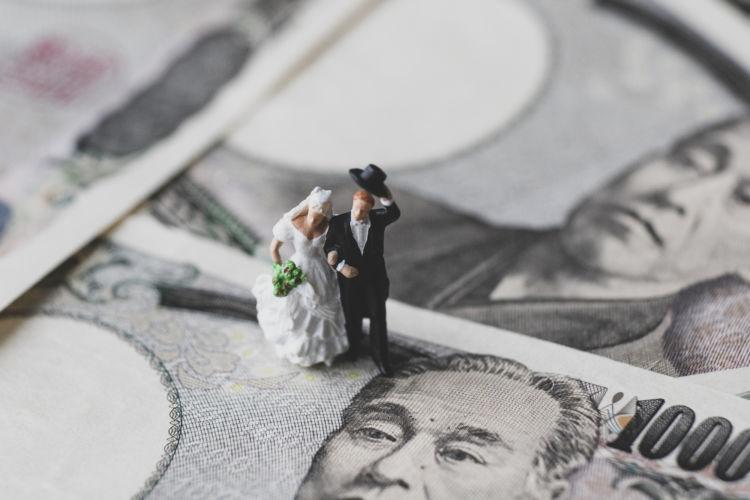 結婚に必要な貯蓄額はいくら?プロポーズまでに貯めたい結婚資金の目安とは