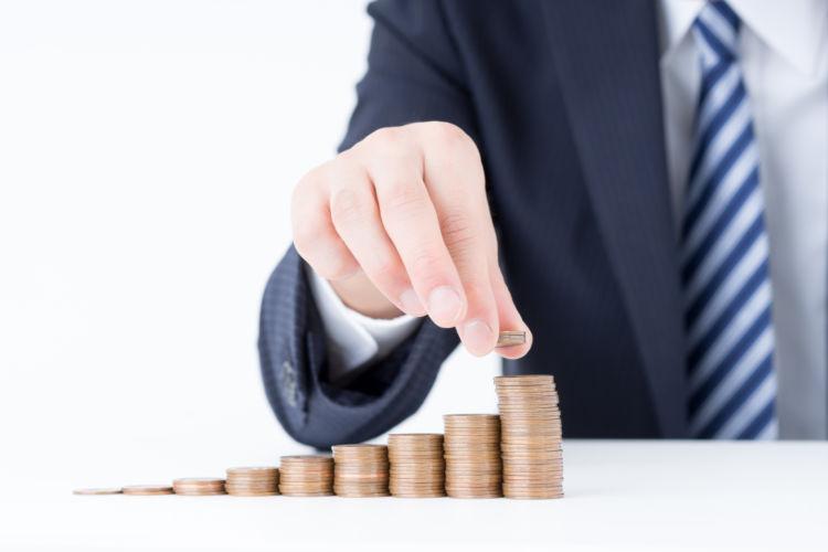 一般的な家庭の貯蓄額はどのくらい?年齢別の貯蓄額も比較