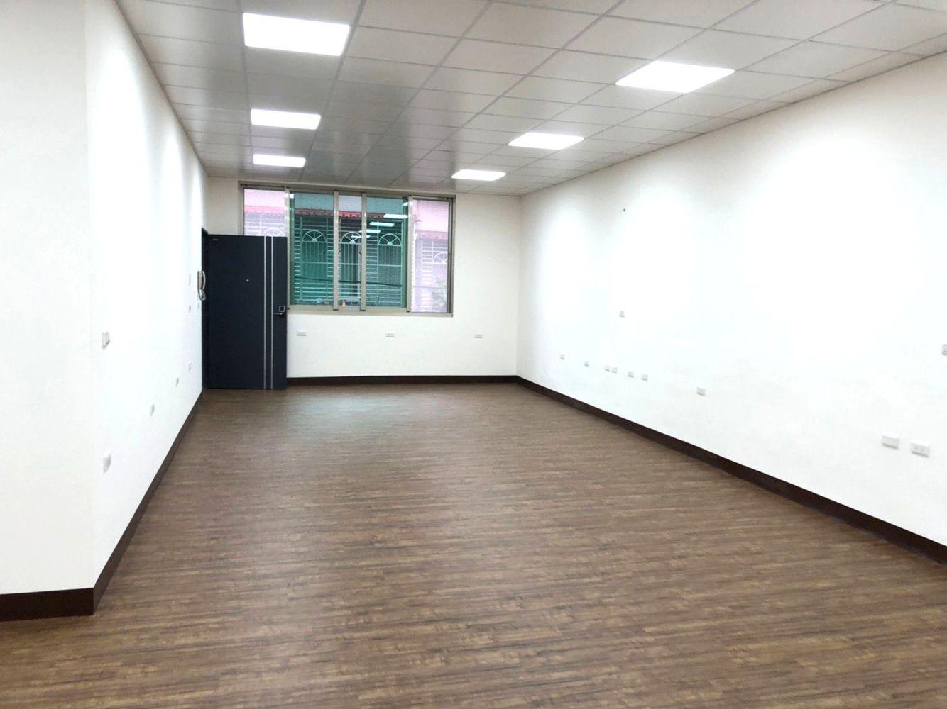 租- JK5077.8化成頭前廠辦附貨梯60坪