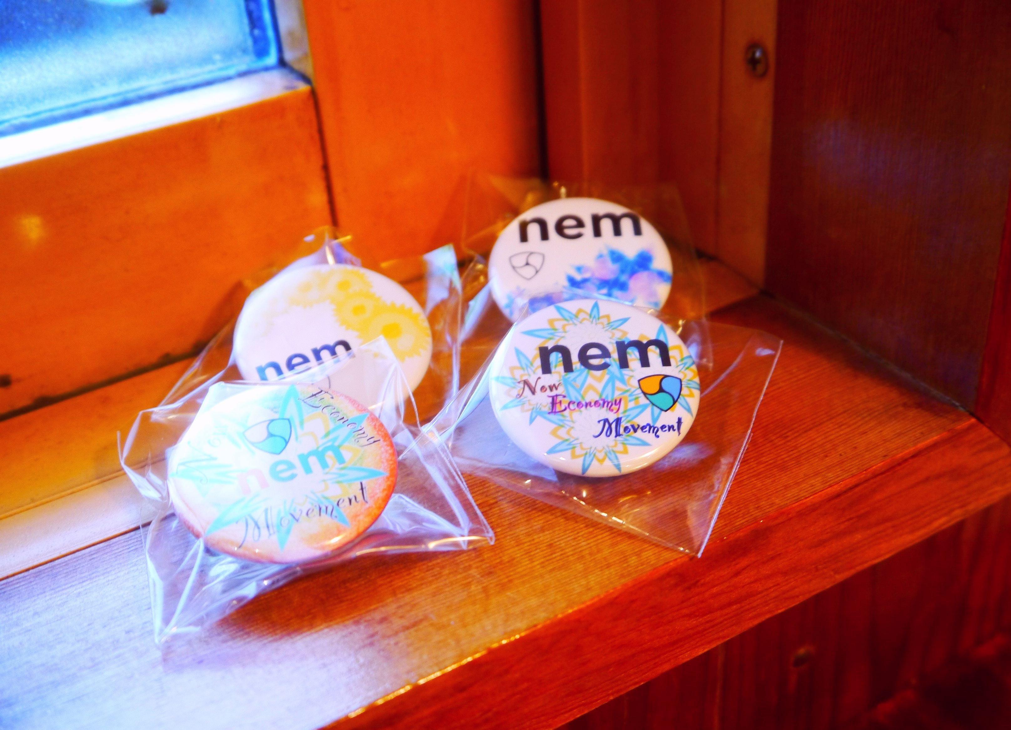 NEM缶バッチ