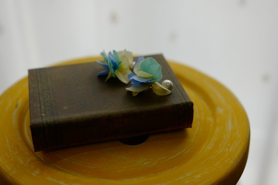 NEMピアスのコットンパールと花びらバージョンその3