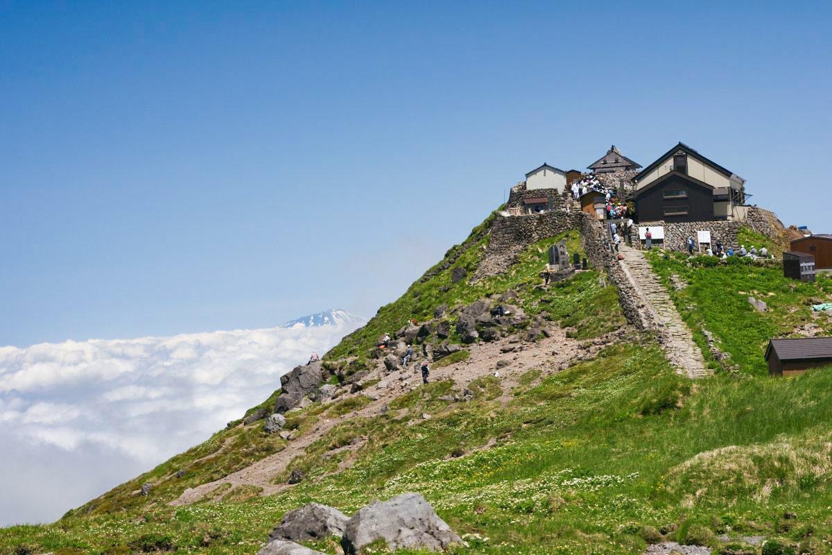 山形観光:月山登山&トレッキング