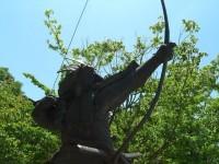 弓矢の名手・浅利与一の銅像(山梨県中央市) 銅像日誌No.4