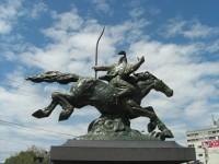 銅像都市伝説シリーズ① 騎馬像の馬の脚が何本浮いているかで武将の死因を示している?