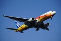 一眼レフで羽田空港を離着陸する飛行機を撮ってみた。