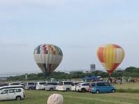 気球を見に行ったら飛行機がよく飛んで面白かった