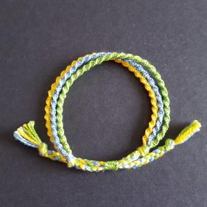 刺繍糸のブレスレット