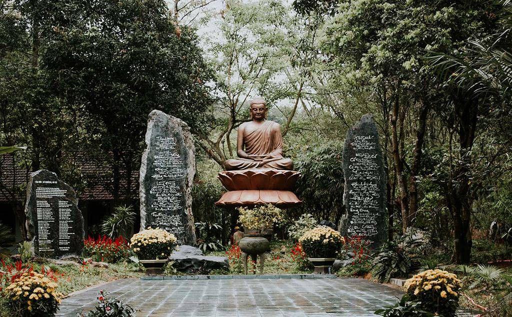 Ghé thăm Huyền Không Sơn Thượng được mệnh danh là 'tiên cảnh trần gian' ở Huế