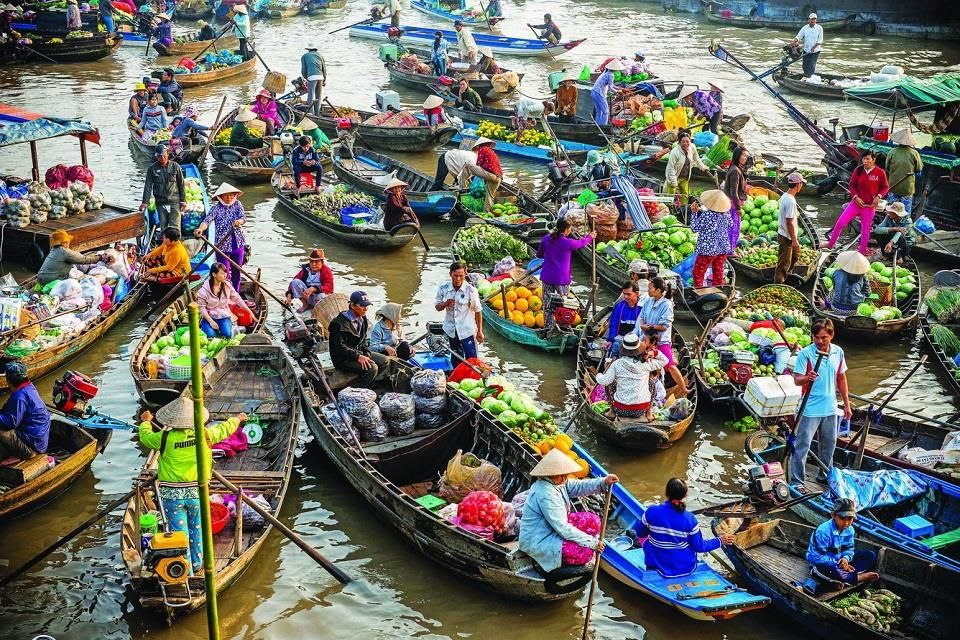 ソクチャンのガナム水上マーケットに訪れましょう!