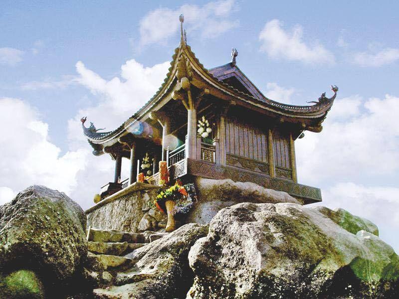 chua-dong-tren-dinh-non-thieng-yen-tu-152531.jpg