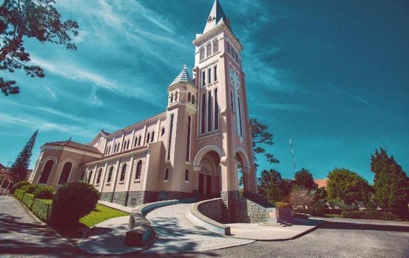 4 nhà thờ hút du khách nhất tại Đà Lạt nhờ kiến trúc ấn tượng