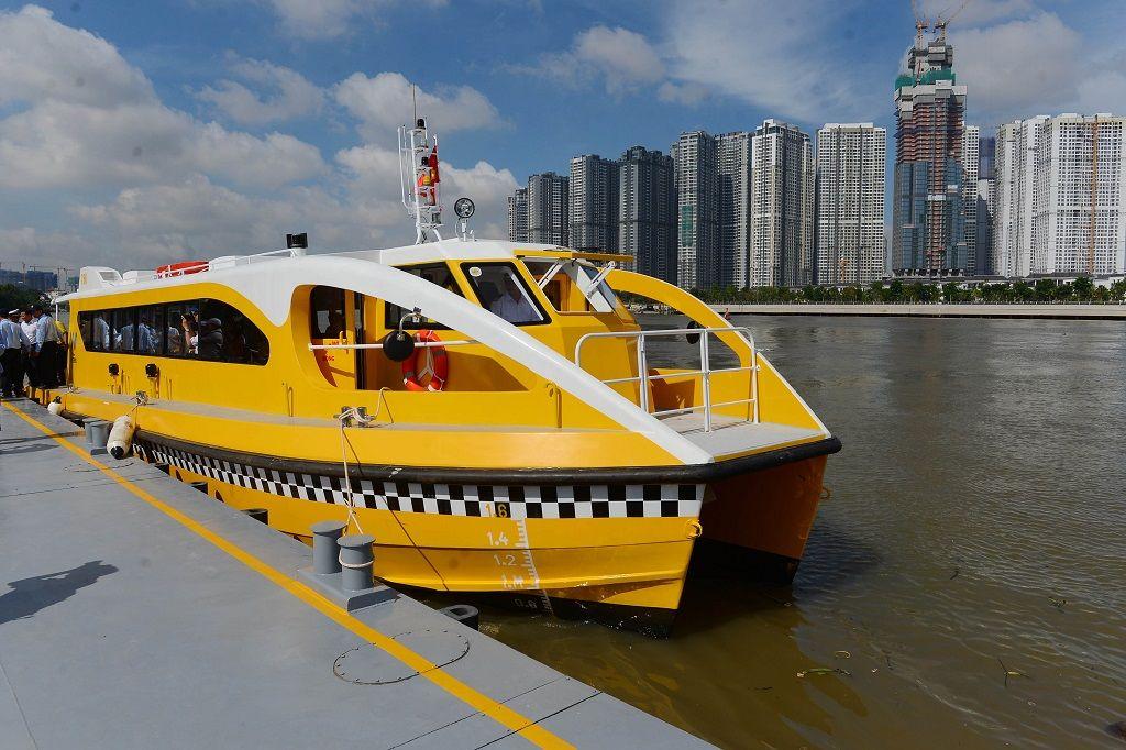 Saigon-River-bus-6.jpg