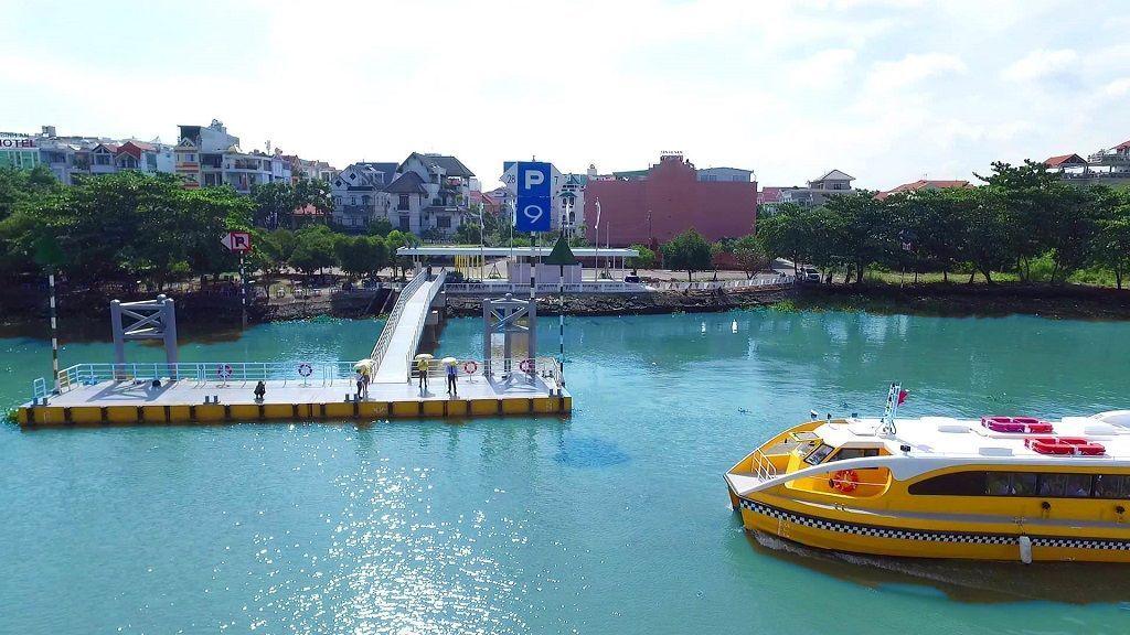 Đi Waterbus ngắm trọn Sài Gòn thơ mộng