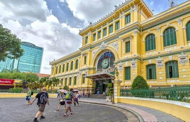 Bưu điện cổ nhất và lớn nhất Sài Gòn có gì đặc biệt?