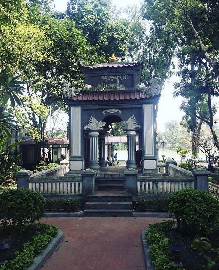 Đình nam hương.Thai-vivu.jpg