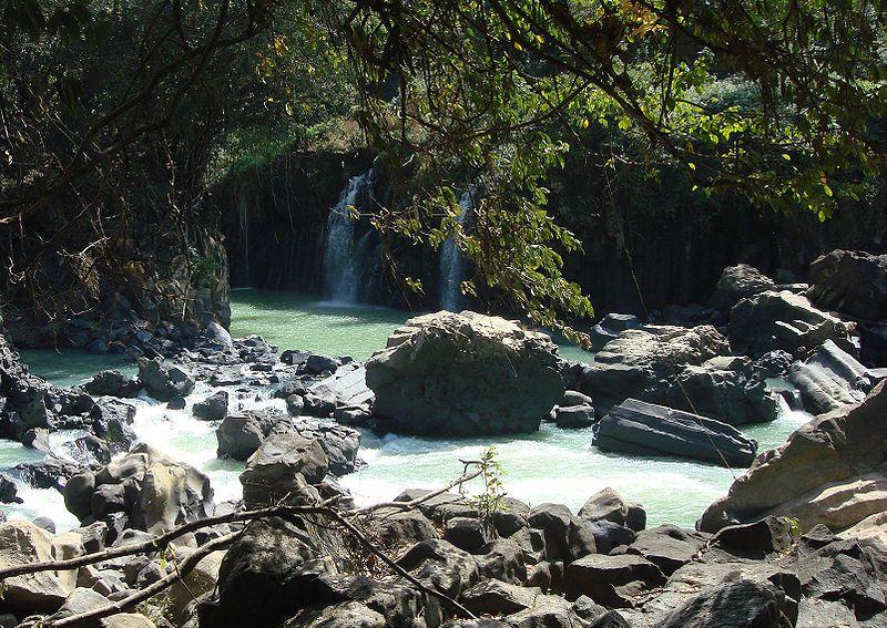 cafftour-Gia_long_waterfall.jpg