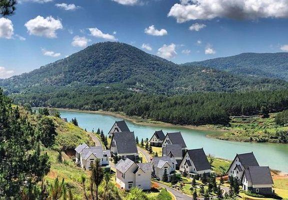 Khám phá Hồ Tuyền Lâm mộng mơ, bình yên ở Đà Lạt