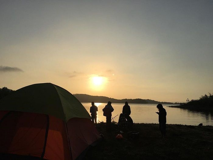 cắm trại.jpg