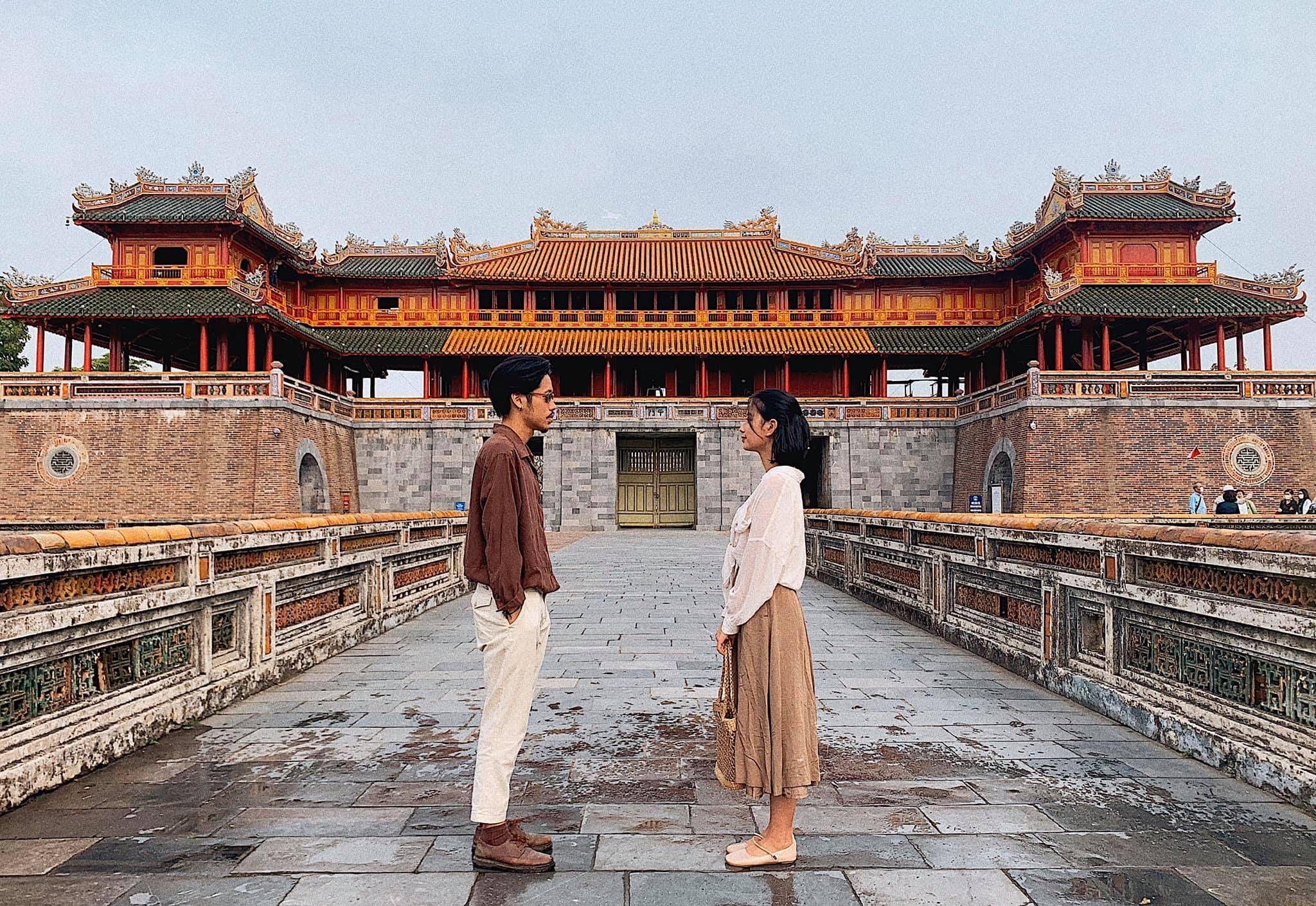 Cách chọn trang phục phù hợp thời tiết khi du lịch cố đô Huế