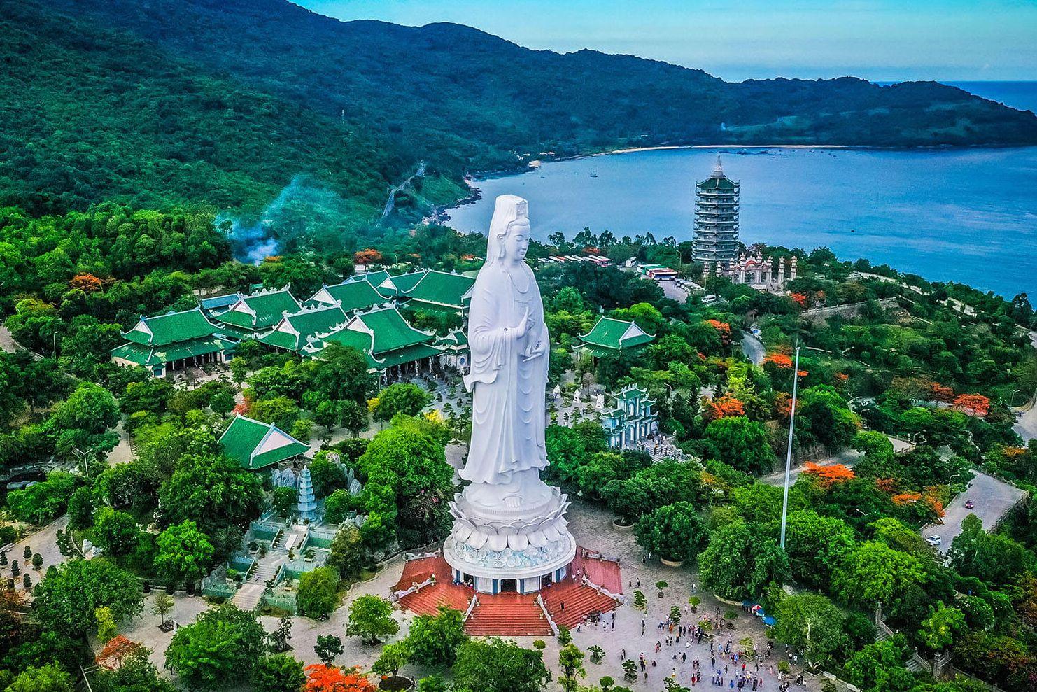 Thăm chùa Linh Ứng - Bãi Bụt có tượng Quan Âm cao nhất Việt Nam