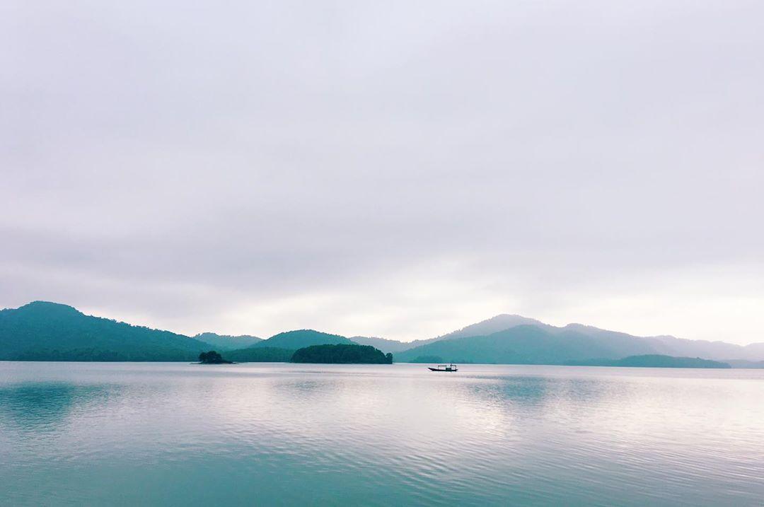 hồ kẻ gỗ. thefooter.jpg