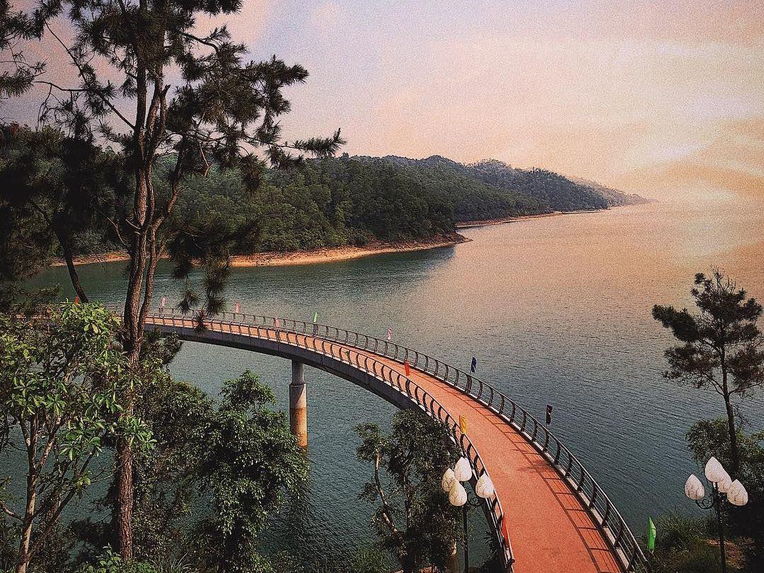Hồ Kẻ Gỗ bình yên, hoang sơ đầy ý nghĩa với người Hà Tĩnh