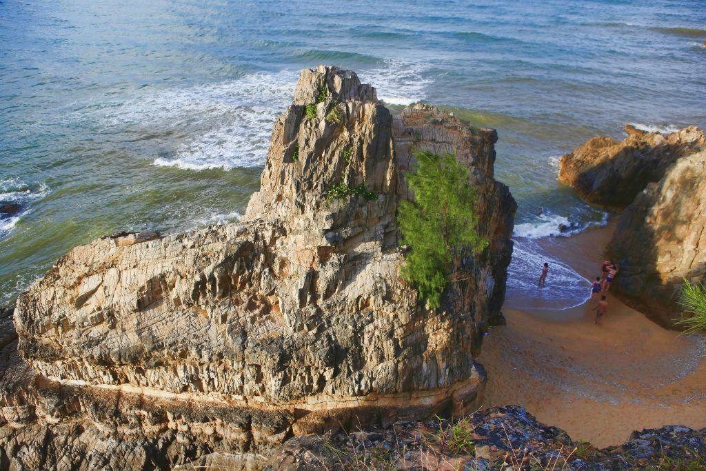 Những bãi biển đẹp như phim ngay ở Quảng Bình - Quảng Trị