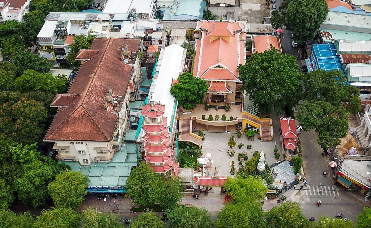 Chiêm ngưỡng tháp chuông lớn nhất ở Sài Gòn cùng nét tâm linh cổ