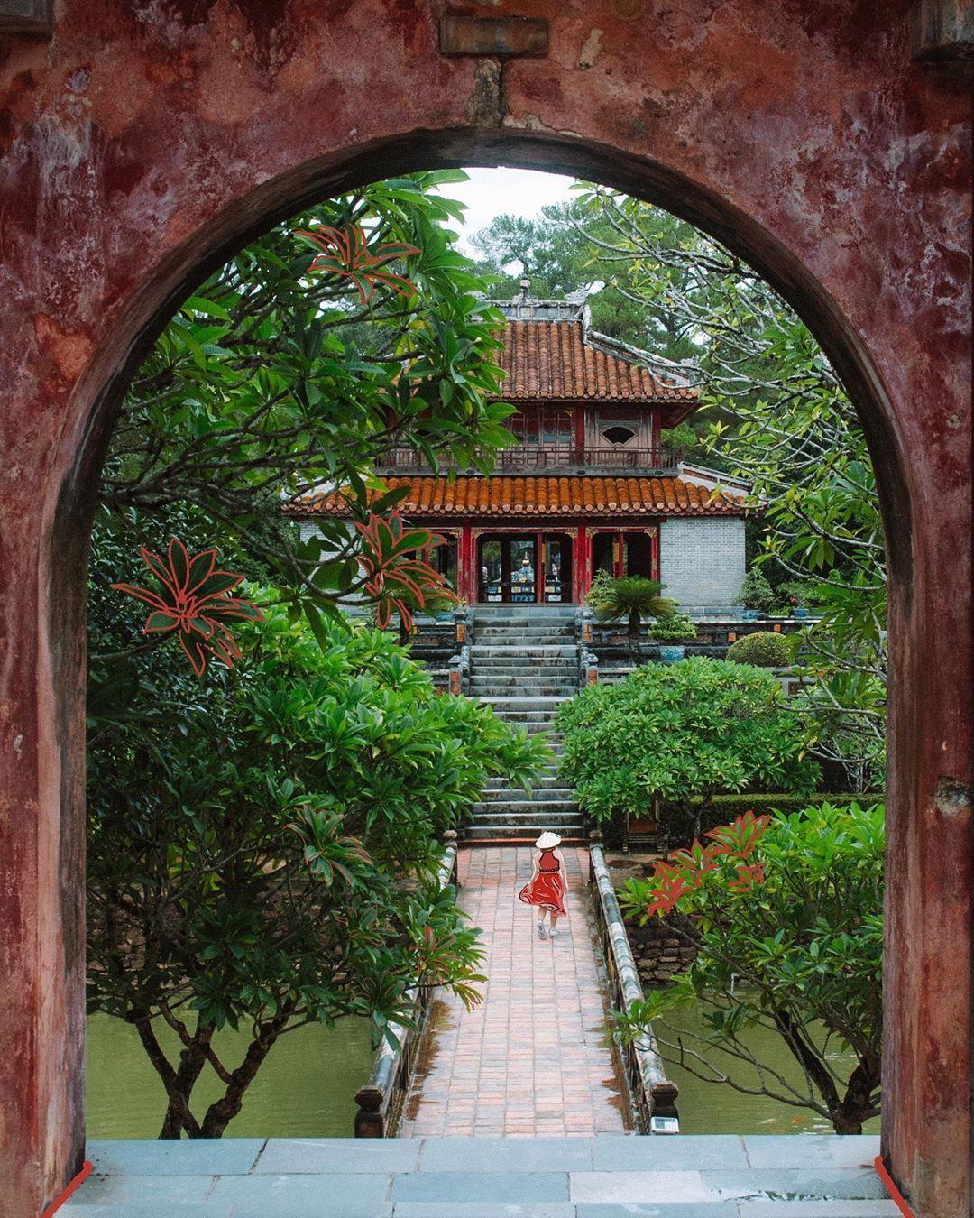Kham-pha-lich-su-chon-cung-dinh-trieu-Nguyen-tai-co-do-Hue