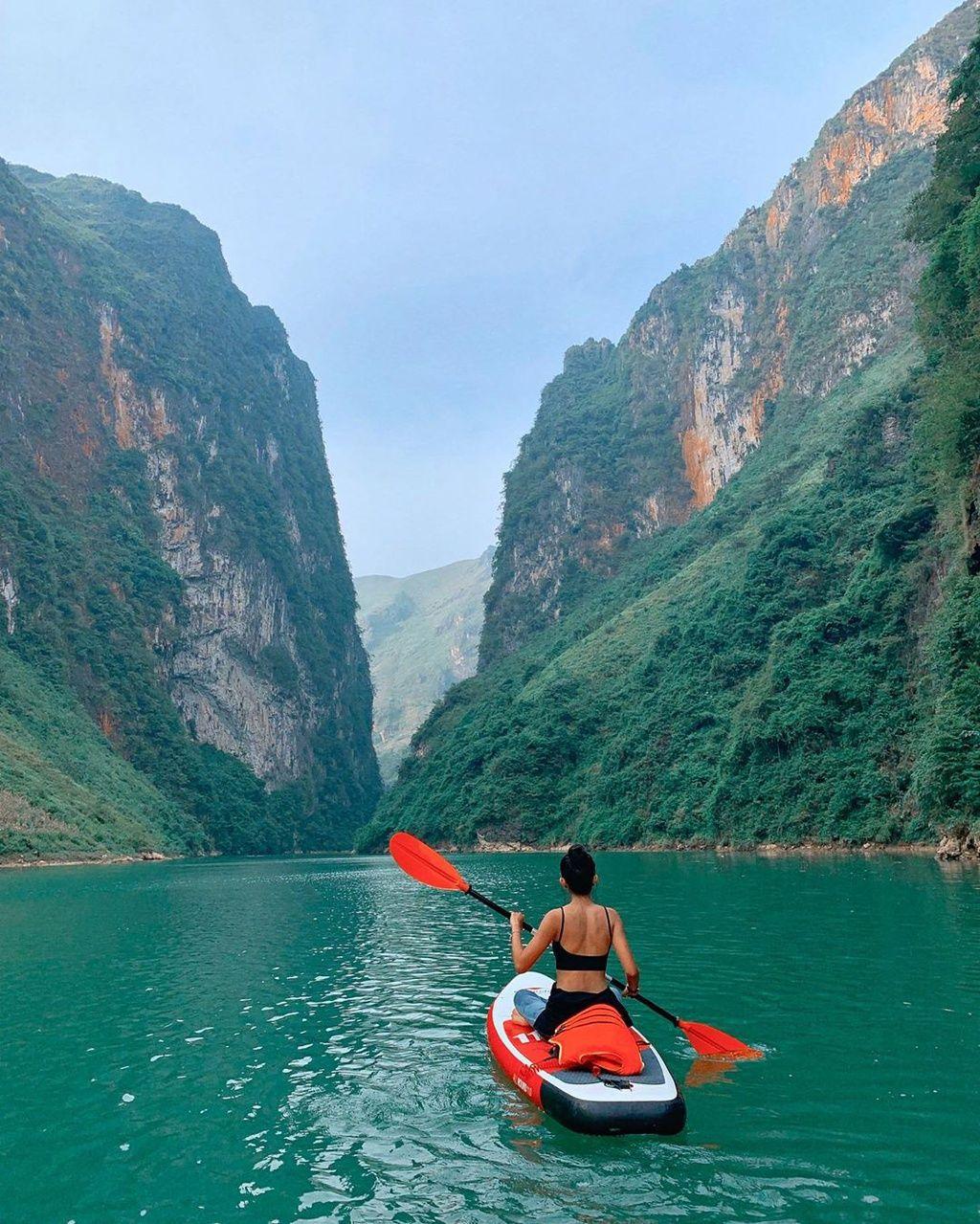 cheo-thuyen-kayak-o-viet-nam1