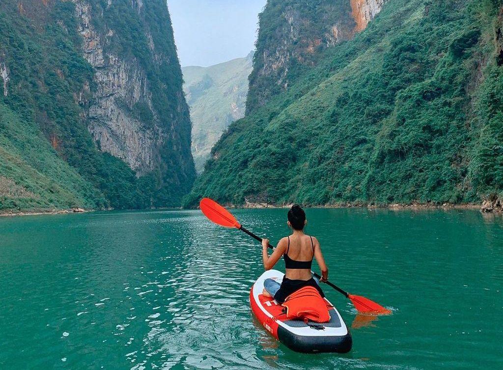 Những địa điểm chèo thuyền kayak có phong cảnh đẹp nhất ở Việt Nam