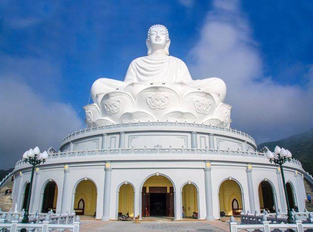 Tham quan chùa Ông Núi có tượng Phật ngồi lớn nhất Đông Nam Á