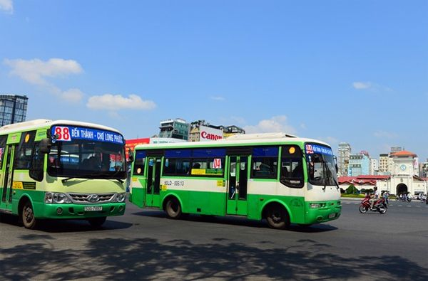 nhung-tuyen-xe-bus-o-thanh-pho-ho-chi-minh-dua-du-khach-tham-quan-mot-so-dia-diem-du-lich-noi-tieng1