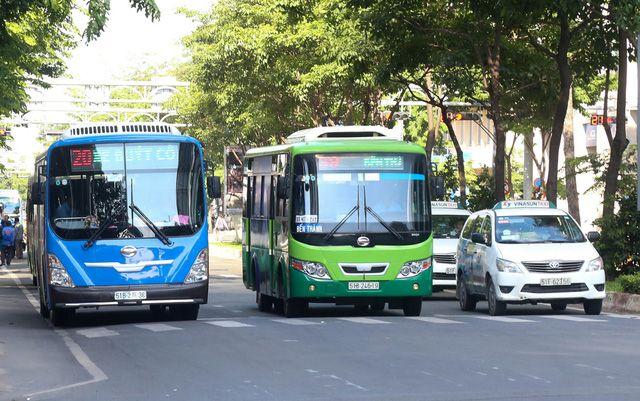 nhung-tuyen-xe-bus-o-thanh-pho-ho-chi-minh-dua-du-khach-tham-quan-mot-so-dia-diem-du-lich-noi-tieng4