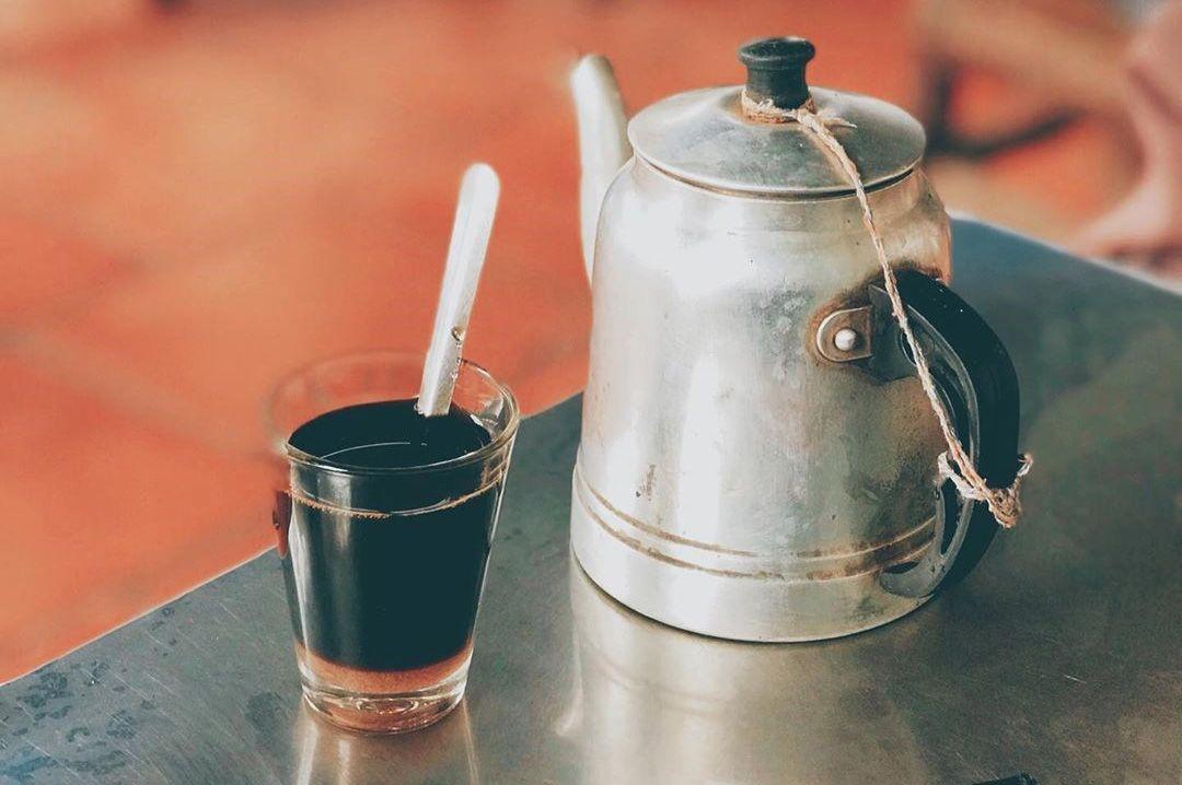 Cà phê vợt - thức uống độc đáo có tuổi đời hơn nửa thế kỷ tại Sài Gòn