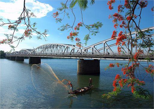 Vì đâu mà cầu Trường Tiền trở thành biểu tượng của cố đô Huế?