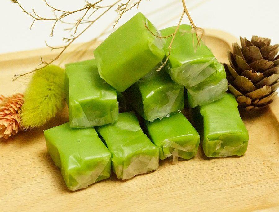 Thưởng thức kẹo dừa - đặc sản nổi tiếng trăm năm ở Bến Tre