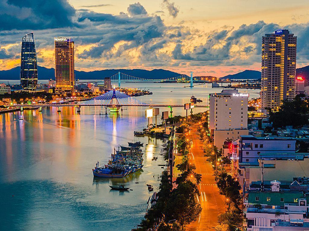 Ngắm nhìn Đà Nẵng thơ mộng bên bờ sông Hàn