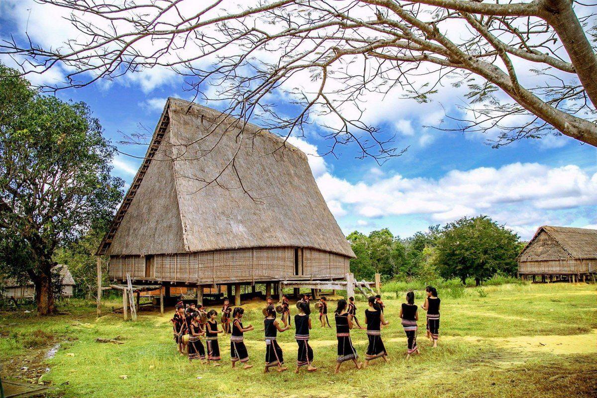 Độc đáo kiến trúc và ý nghĩa thiêng liêng của nhà rông Tây Nguyên