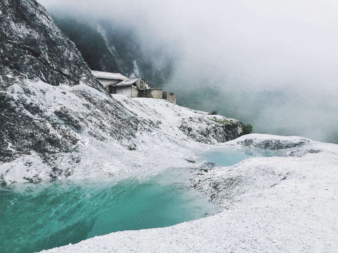 Khung cảnh tựa tuyết phủ quanh năm của con đèo Thung Khe độc đáo