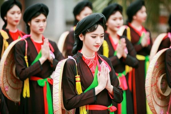 Chiếc áo tứ thân truyền thống của phụ nữ Kinh Bắc một thời có ý nghĩa gì?