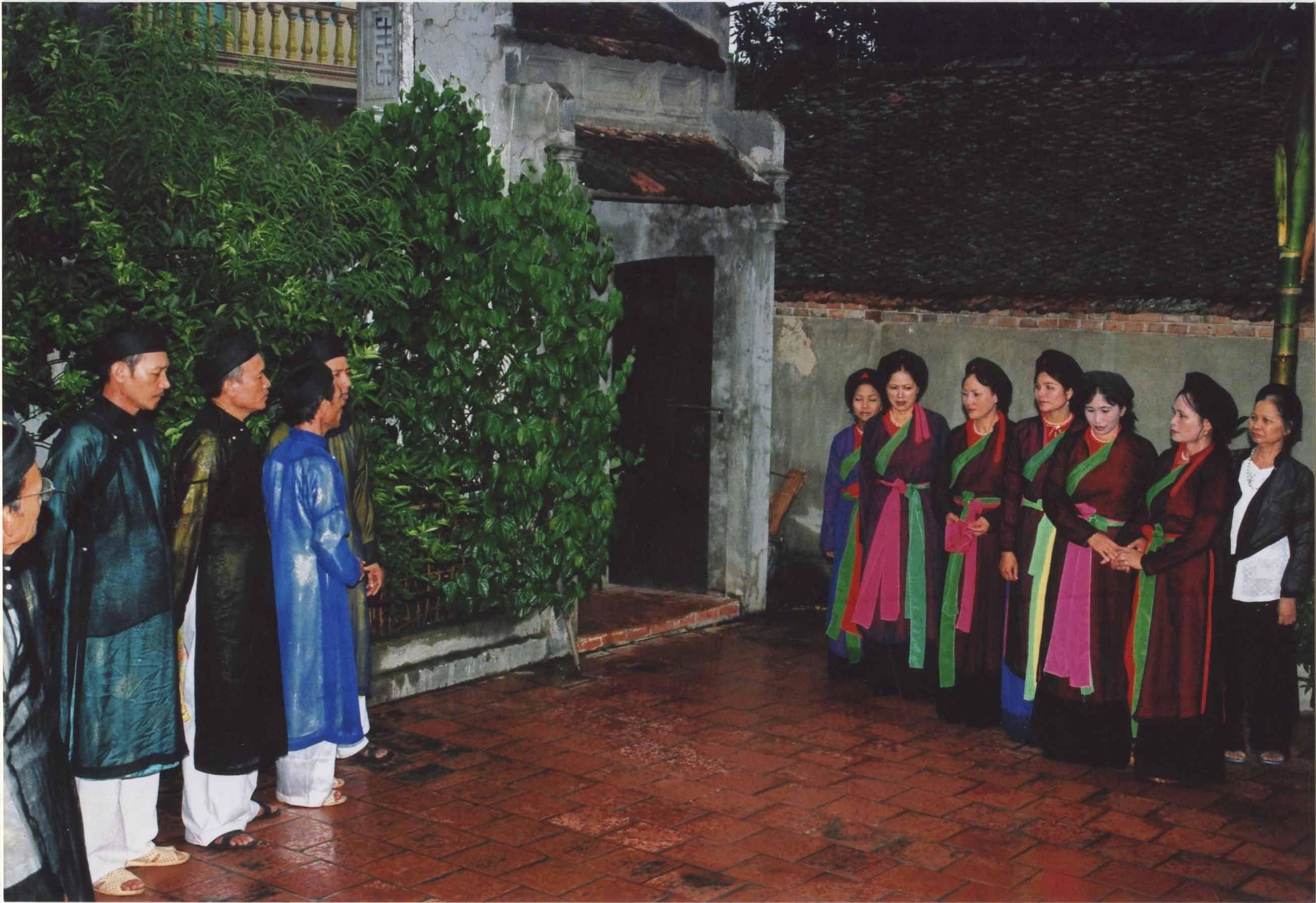Thuong-thuc-dan-ca-quan-ho-9