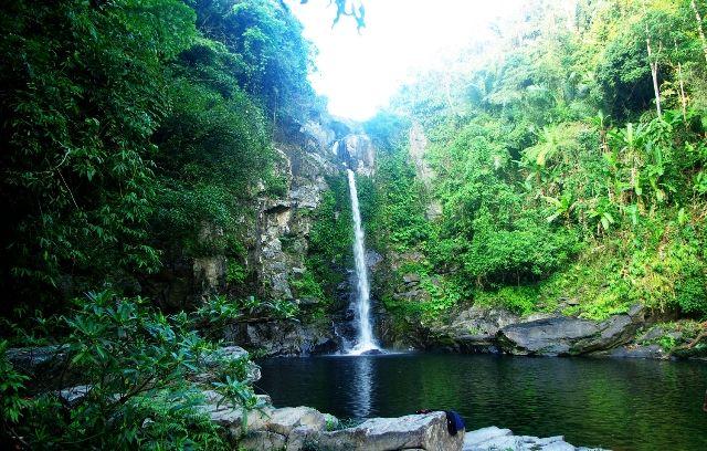 Nếu yêu trekking thì đừng bỏ qua Giếng Trời hoang sơ mà cực đẹp ở Đà Nẵng