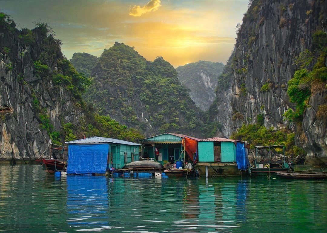 Ghé thăm làng chài Cửa Vạn, một trong những làng chài cổ đẹp nhất thế giới