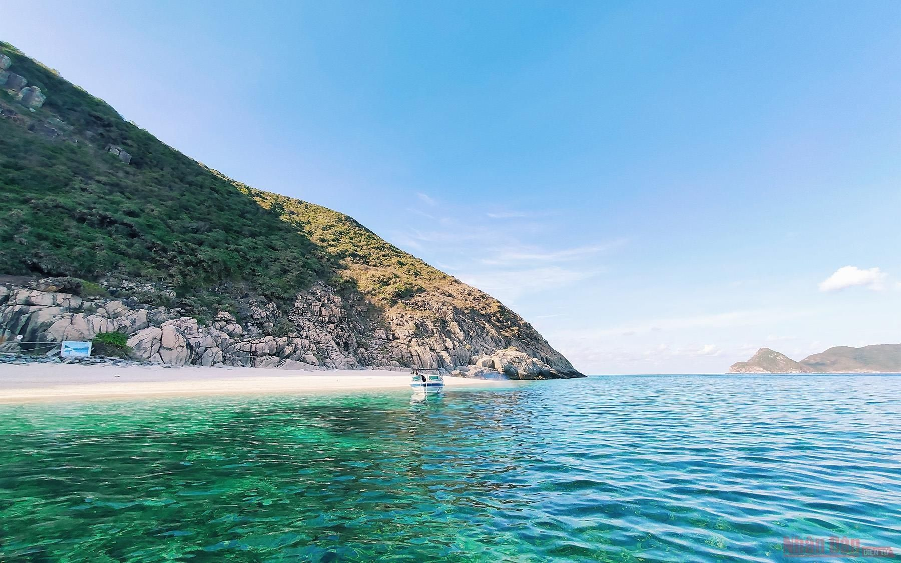 Khám phá Hòn Cau - 'viên ngọc xanh' giữa lòng Côn Đảo